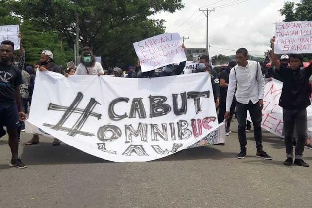 Koalisi: Aksi Terus Digelar Sampai Omnibus Law UU Cipta Kerja Dibatalkan