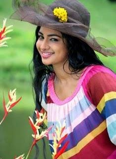 romantic cute girl in sri lanka