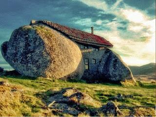Stone House/Rumah Batu - Portugal