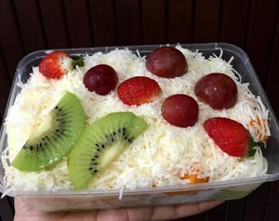 5 Cara Membuat Salad Buah yang Menarik guna Buka Puasa Penuh Semangat