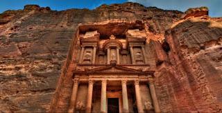 Kisah Tsamud,Penduduk Lembah Petra Yang Ahli Memahat Gunung