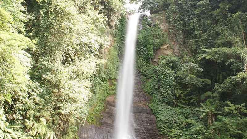 Air Terjun di Singaraja
