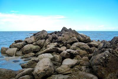 pantai alami tanjung tadah bangka barat