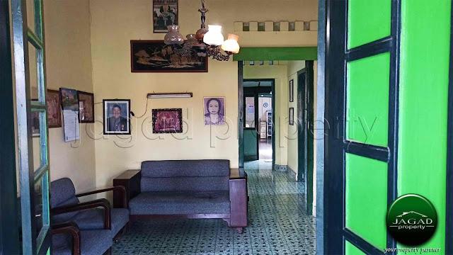 Rumah Luas dalam Benteng Kraton Jogja