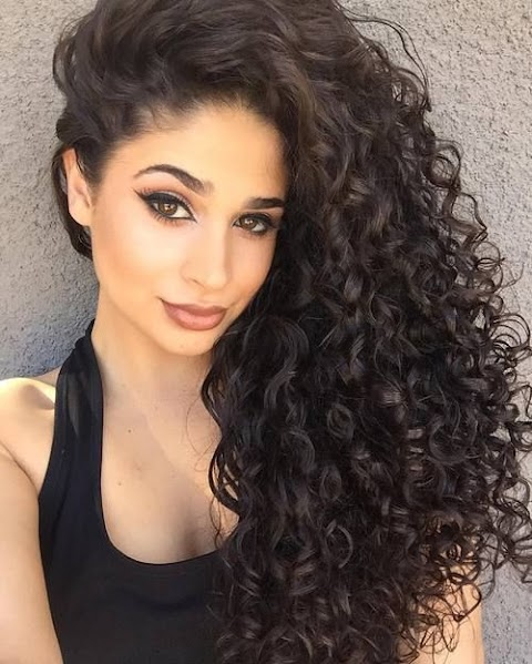 6 Cutest Hairstyle For Long Curly Hair Easy To Do