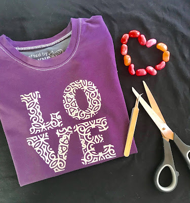 Silhouett tutorial knockout, Färdig T-shirt med textltryck love