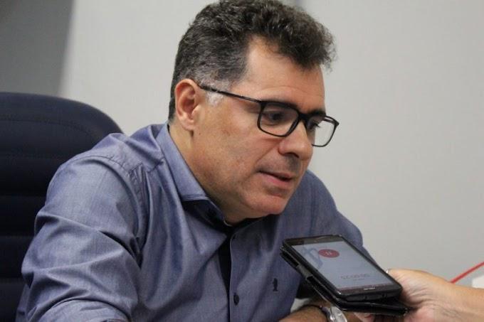 """Pré-candidato diz que indecisão de Romero é """"farsa"""" para """"cortina de fumaça"""""""