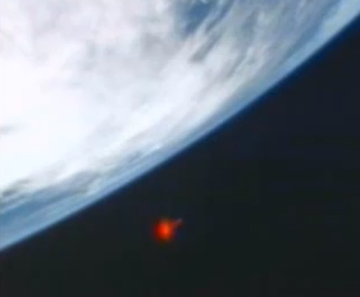 UFO SIGHTINGS DAILY: Bright Red UFO Near ISS On Feb 11 ...