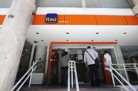 Itaú, Bradesco e Santander fecham 430 agências e demitem 7 mil