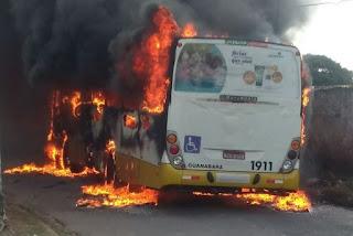 Frota de ônibus para de circular em Natal após ônibus ser incendiado