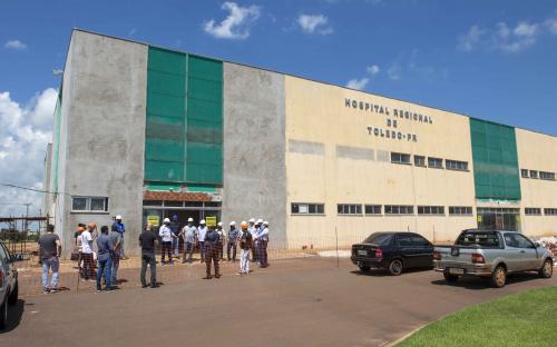 Comitiva inspeciona obras do Hospital Regional em Toledo