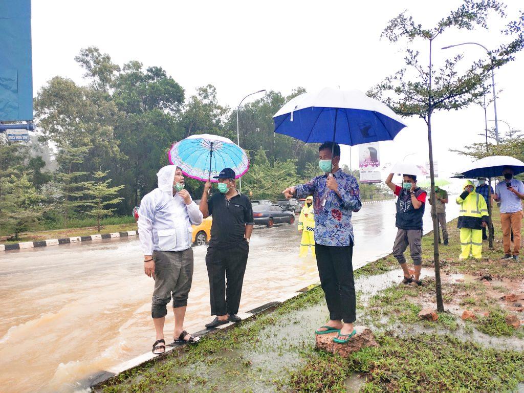 Walikota Batam Akan Melebarkan Draenase di Jalan Protocol  Yang Kerap Dilanda Banjir
