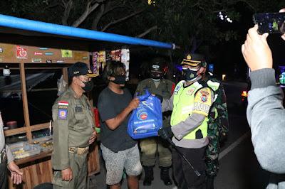 PATROLI SKALA BESAR MALAM IDUL ADHA 1442 H,  TNI/POLRI DI PONOROGO BAGI BAGI SEMBAKO