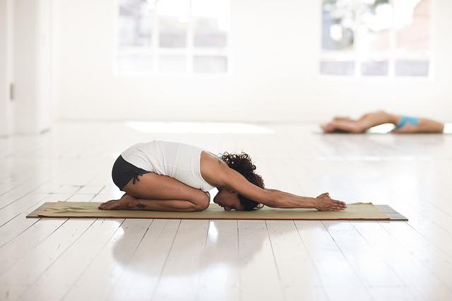 gerakan yoga untuk nyeri punggung
