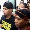 Fahri Hamzah Protes! Usai Didakwa, Ahmad Dhani Eksklusif Dibawa Ke Rutan Medaeng Sidoarjo