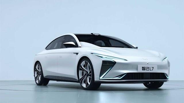 Zhiji L7, el coche eléctrico chino con autonomía de 1000 km y carga inalámbrica