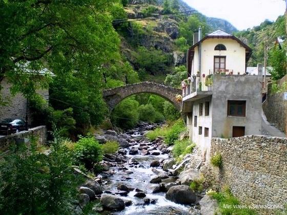 Pueblo de Tavascan, Valle del Cardón, Pirineo Catalán