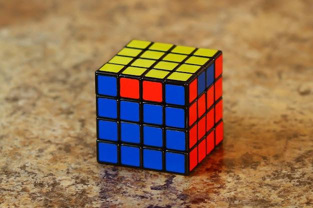 kasus parity di rubik 4x4x4 dan big cubes