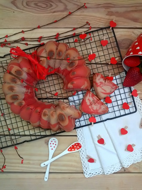 San Valentín Bundt cake Fresas Cava Cuca Bizcocho Corazón Marmolado Rojo
