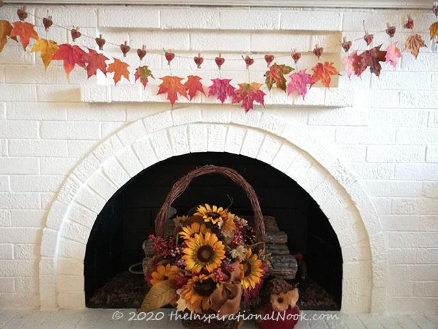 Autumn leaf bunting, Real Fall maple leaf garland, Thanksgiving leaf garland on fireplace  mantel