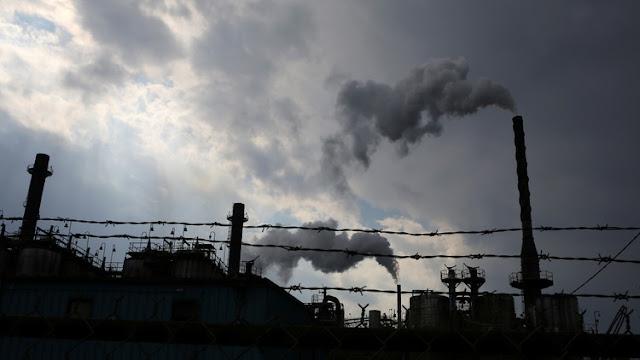Evacúan a trabajadores de una planta química en Texas por riesgo de una explosión