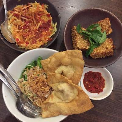 Kuliner Indonesia - Depot Flamboyant