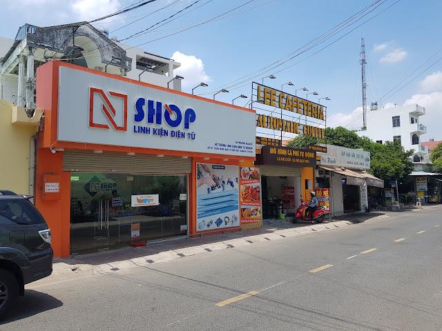 Mặt tiền cửa hàng Điện tử NShop Quận 9