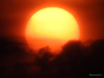Zoom cu Nikon pe Soare,
