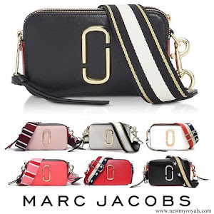 Maria Teresa carried Marc Jacobs Snapshot Cross Body Bag