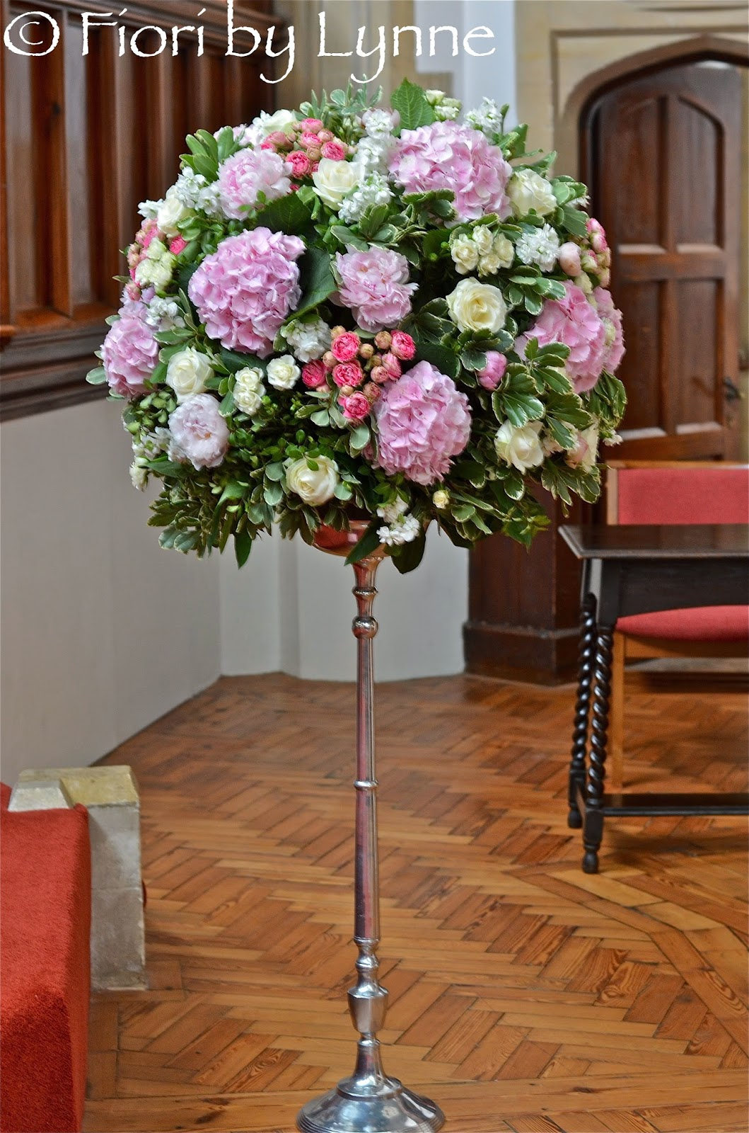 Wedding Flowers Blog Gemmas June Wedding Flowers The White Horse Romsey