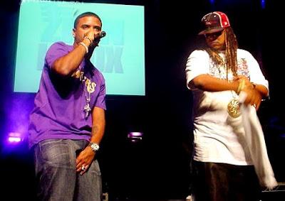 Foto de Zion y Lennox en el escenario