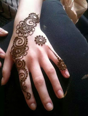 simple mehandi designs for left hand