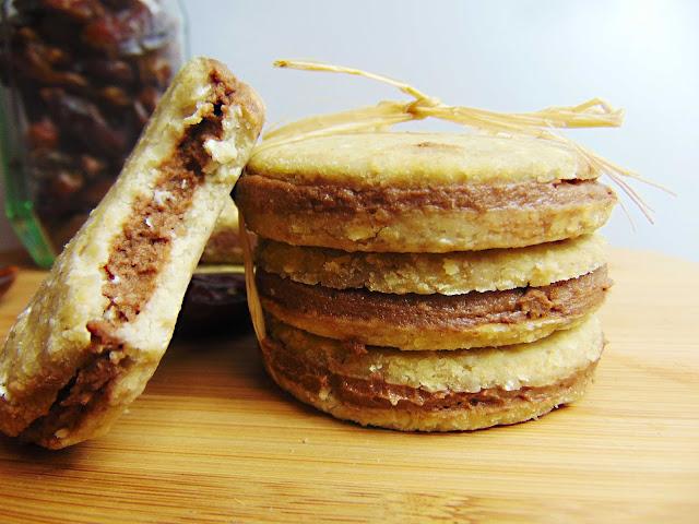 Markizy jaglane z kremem daktylowo-czekoladowym bez pieczenia
