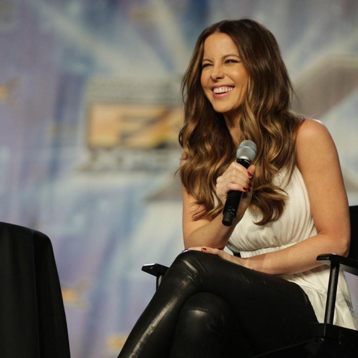 Kate Beckinsale At Salt Lake Comiccon Fan Xperience Instagram