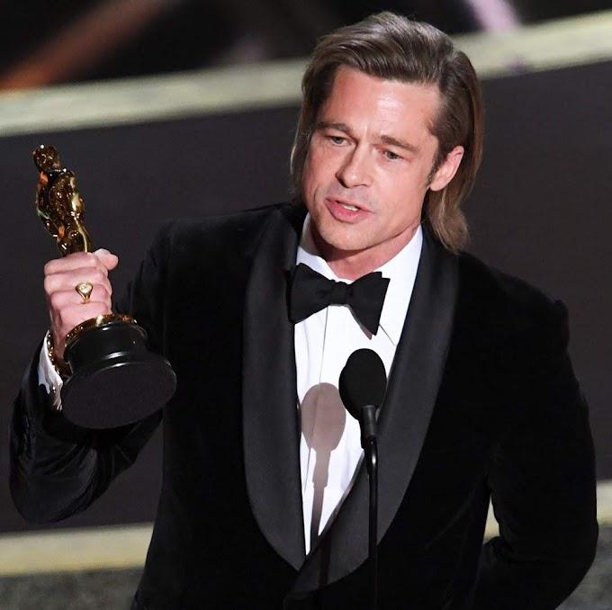 役者生活33年めにして、ついに初めて、アカデミー賞を受賞🏆することができたブラッド・ピットがホッとひと息の光景😊