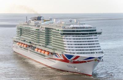 Iona - Cruise Ship - UK Flag