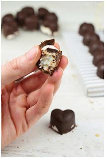 Bombones caseros sin azúcar de chocolate- postre apto para diabéticos- que es la diabetes- receta casera para navidad sin azúcar- reecta para navidad- receta navideña para diabeticos- postre navideño para diabéticos