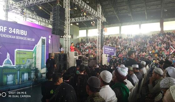 PANGGUNG UTAMA : Inilah Panggung Utama Sedekah Akbar di GOR Pangsuma Pontianak AHAD 3 Febuari 2019.  Foto H Muhammad Nur Hasan