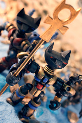 Argonaut Resins x Onell Designs Tuttz Bad Luck Squadron Glyos Figures - Leader with Ankh Staff