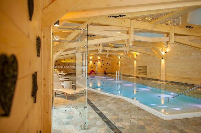 aries hotel_basen