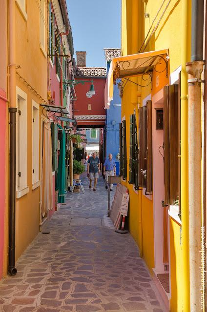 Calles colores Burano Italia