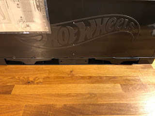 Hot Wheels 50th Anniversary 50 Car Display Case  feet stand