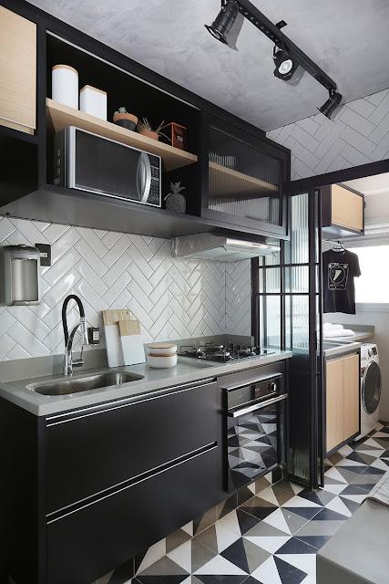 cozinha-pequena-preta