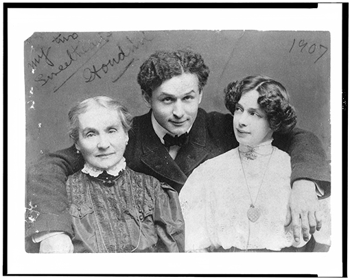 Harry Houdini with wife Beatrice and mother Cecilia Steiner Weiss | Photo courtesy of the Breman Museum