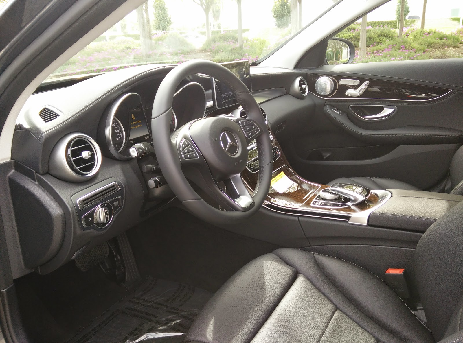 medium resolution of if there is one thing i definitely have to give mercedes benz credit for it is their interiors the interior of this particular c300 actually looks and
