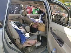 Satu keluarga pingsan saat tidur dalam mobil, satu meninggal dunia