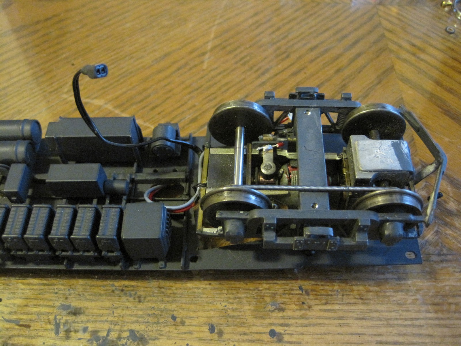 Modeling Insulls Empire In O Scale Sunset Nsl Silverliners 9b Gauge Track Wiring The Photo Above Shows Power Truck Floor Prior To Attachmant Interior Wires Can Be Seen Tied