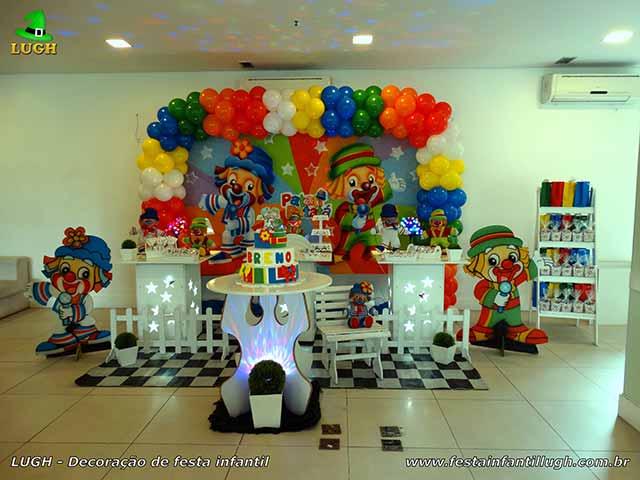 Mesa decorada provençal Tema infantil Patatí Patatá - Decoração de aniversário feminino