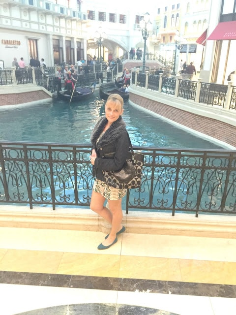 Fashion, fashionblogger,styleguide, travel, travelblogger, utltimatestyleguide,ootd,stylechallenge,vegas.com,fiftyandfablulous,styleover50,ootdy,streetstyle