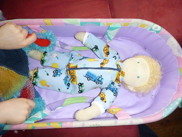 Schlafanzug nähen für Puppe